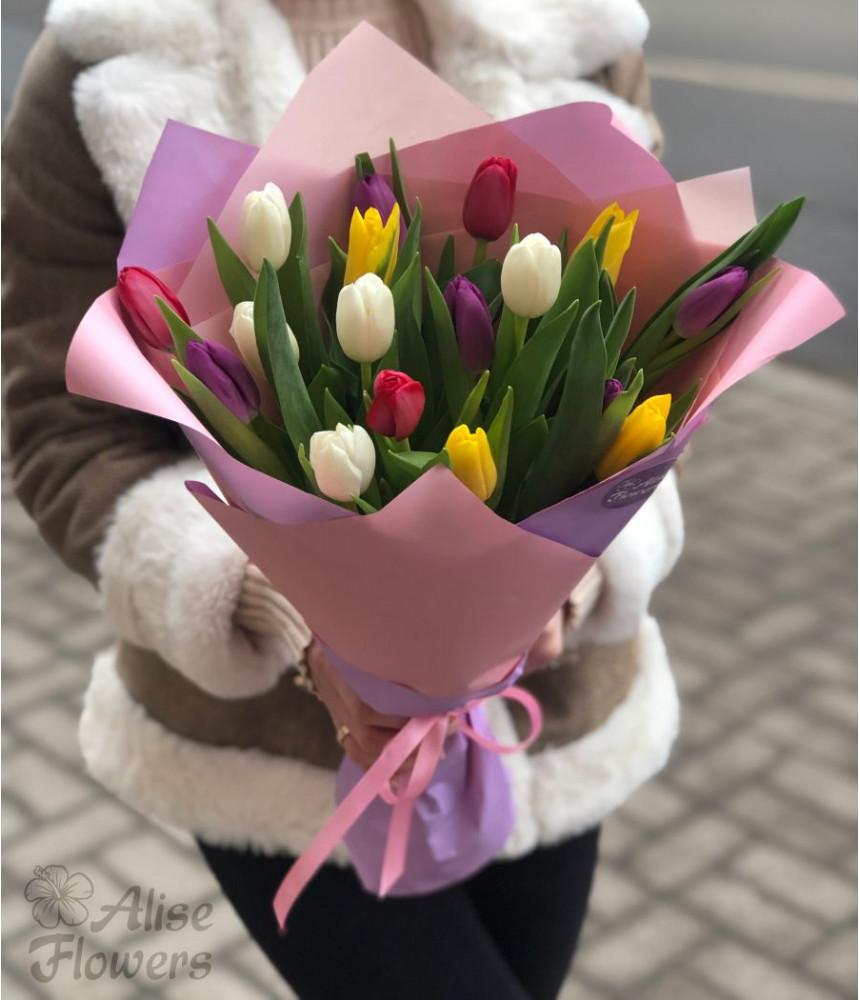 заказать Букет из тюльпанов 17 штук в Петербурге
