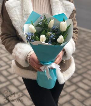 Букет из тюльпанов завораживающий