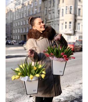 Композиция с пиановидными тюльпанами