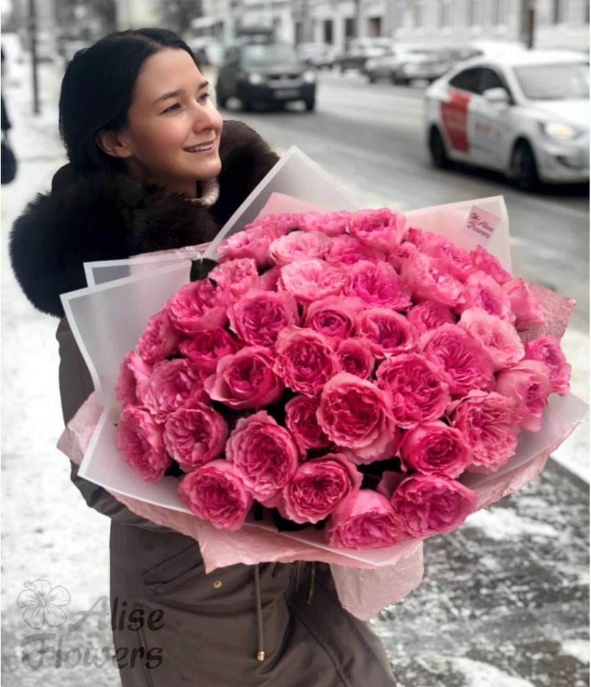 заказать Нежное облако из пионовидных роз в Петербурге