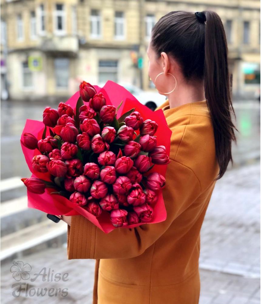 заказать Букет тюльпанов чарующий в Петербурге