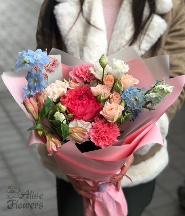 заказать Букет из пионовидной розы в Петербурге