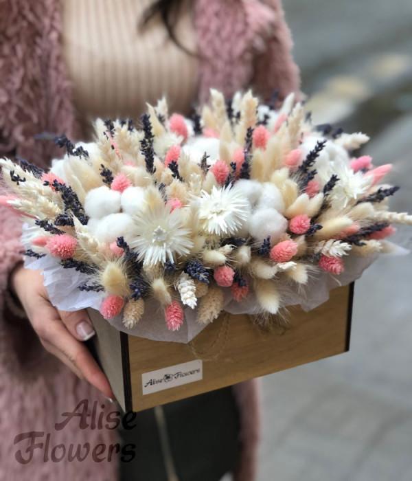 заказать Сухоцветы в коробке в Петербурге