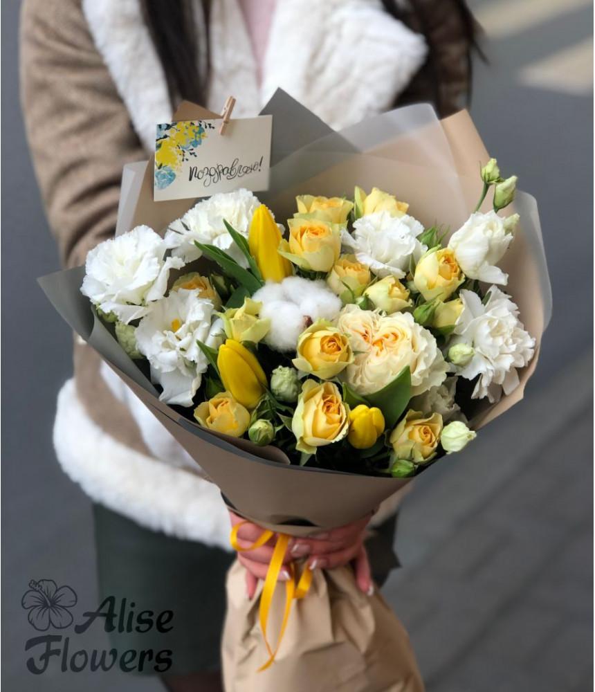 заказать Букет из тюльпанов и лизиантуса в Петербурге