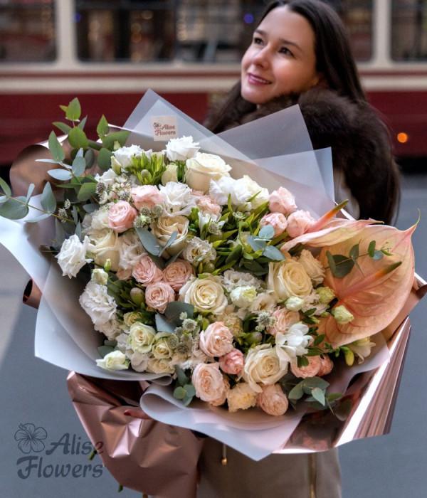 заказать Букет с розами большой в Петербурге