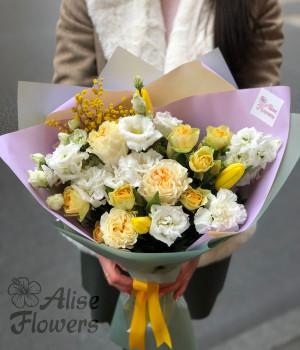 Букет из тюльпанов пионовидных роз