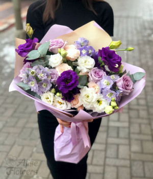 Букет с цветами Лилии