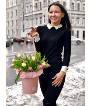 """Композиция """"Шляпная коробка с тюльпанами"""""""