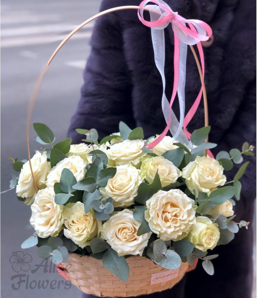 заказать Корзинка с розами 2 в Петербурге