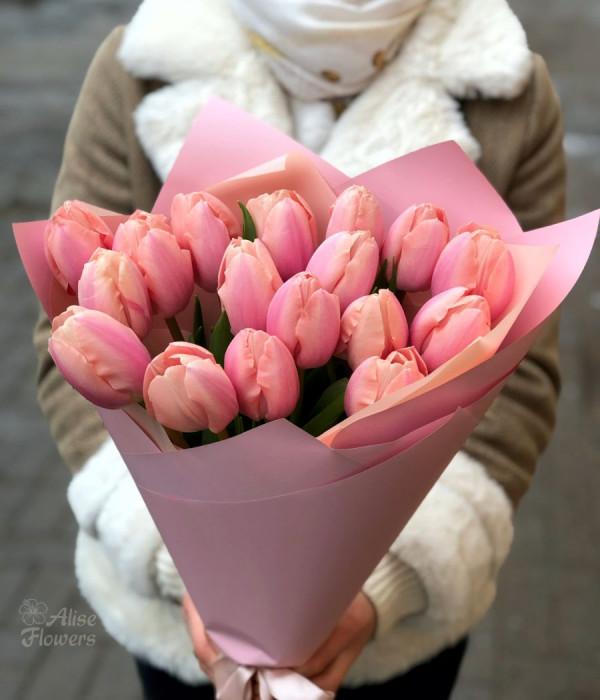 заказать Букет из Тюльпанов изящный в Петербурге