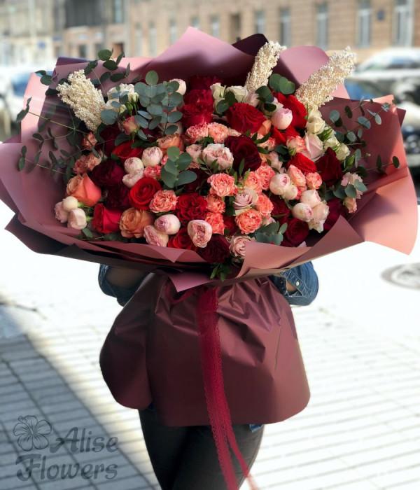 заказать Букет из роз большой в Петербурге