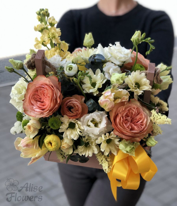 заказать Композиция в деревянном ящике с розой в Петербурге
