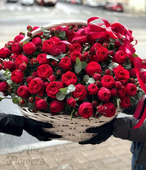 заказать Корзина с розами огромная в Петербурге