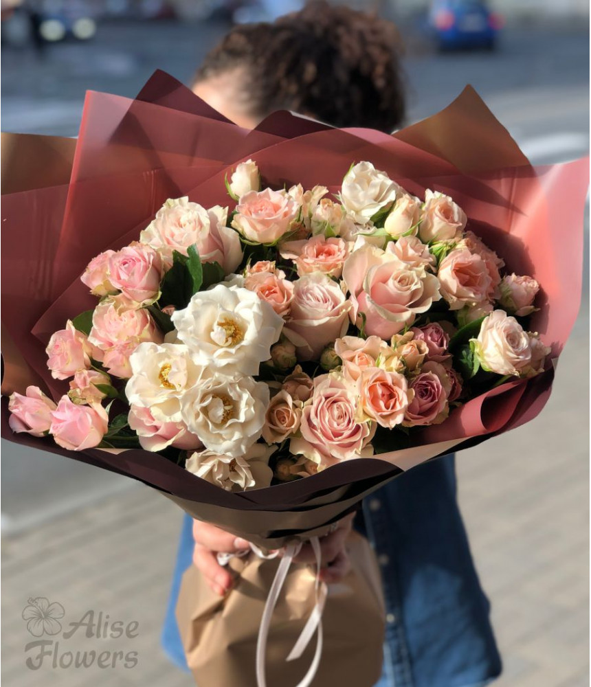 Букет розовой розы весенний