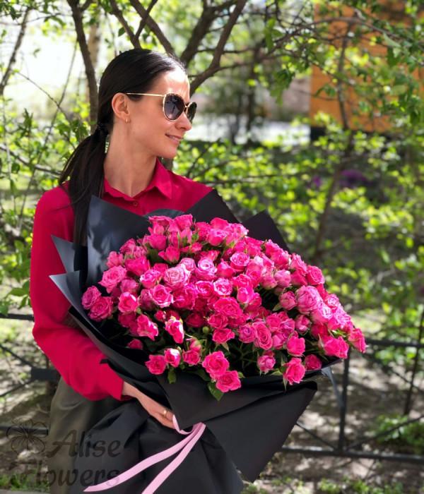 заказать Букет кустовых роз в Петербурге