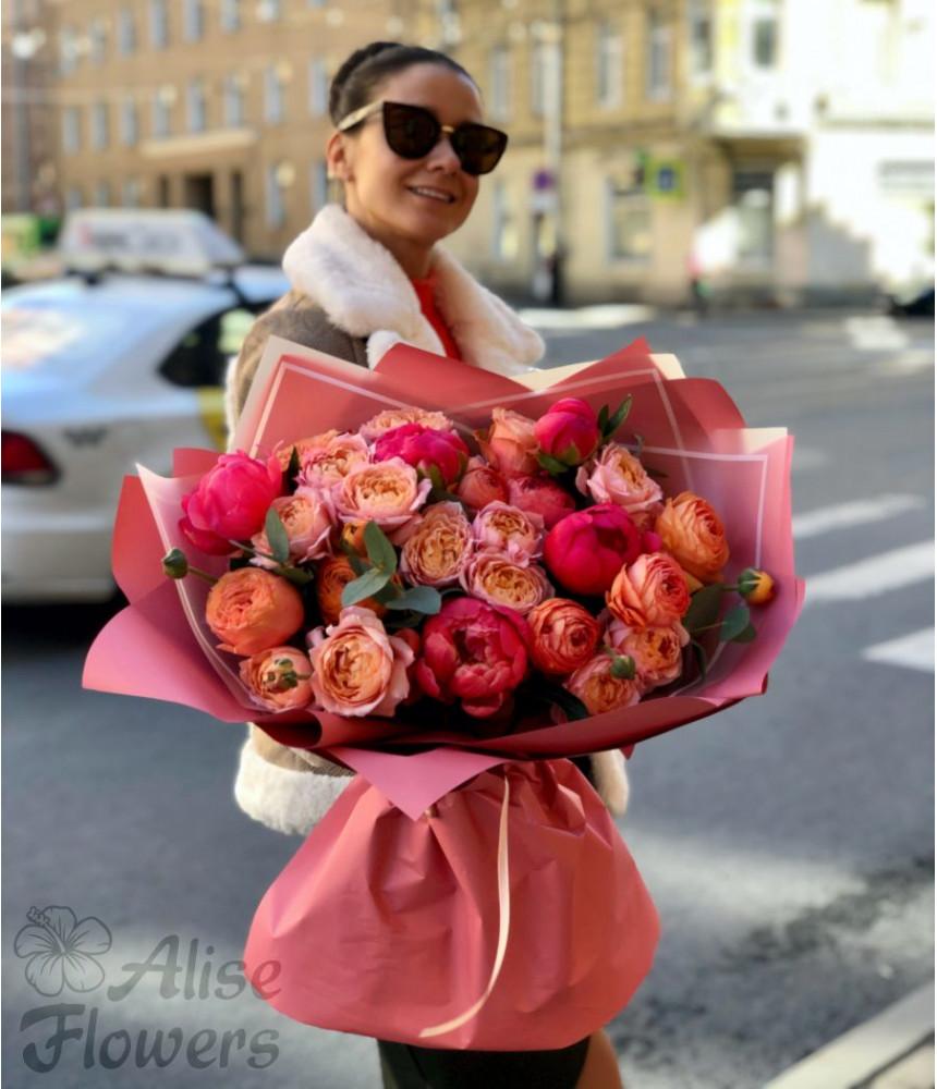 Букет с пионами нежно-розовый