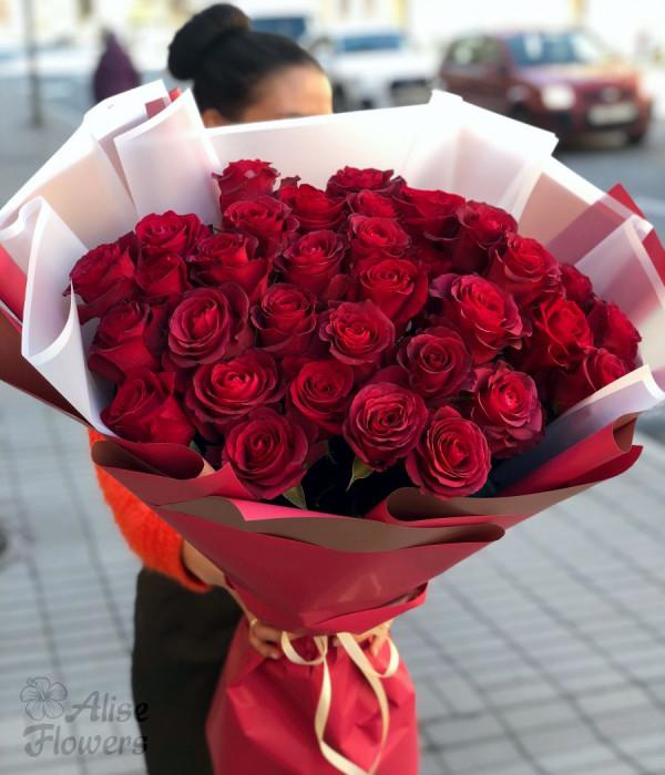 заказать Букет из красных роз Яркий в Петербурге