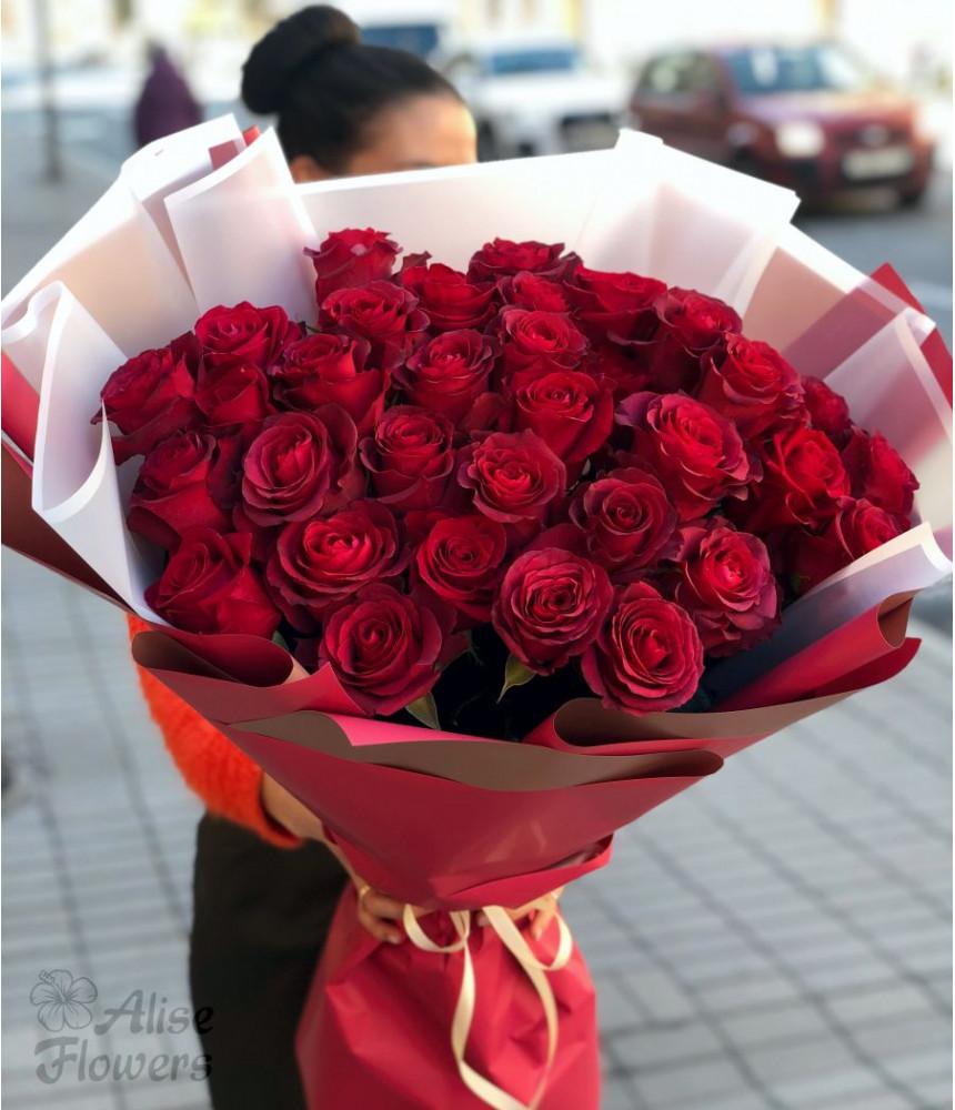 Букет из красных роз Яркий