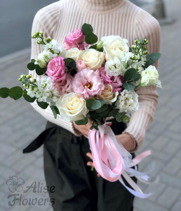 заказать Букет невесты нежный в Петербурге