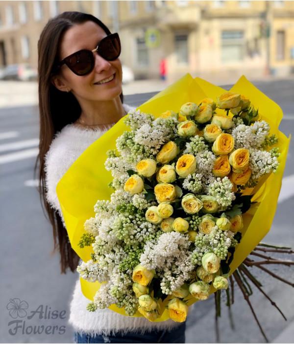заказать Букет из сирени и пионовидных роз в Петербурге