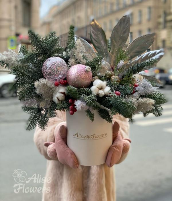 заказать Новогодняя композиция розовая в Петербурге