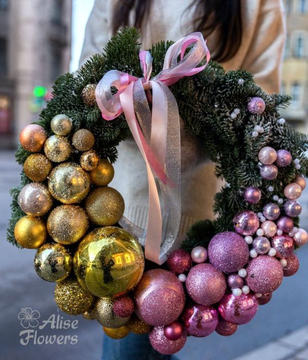заказать Новогодний венок декоративный в Петербурге